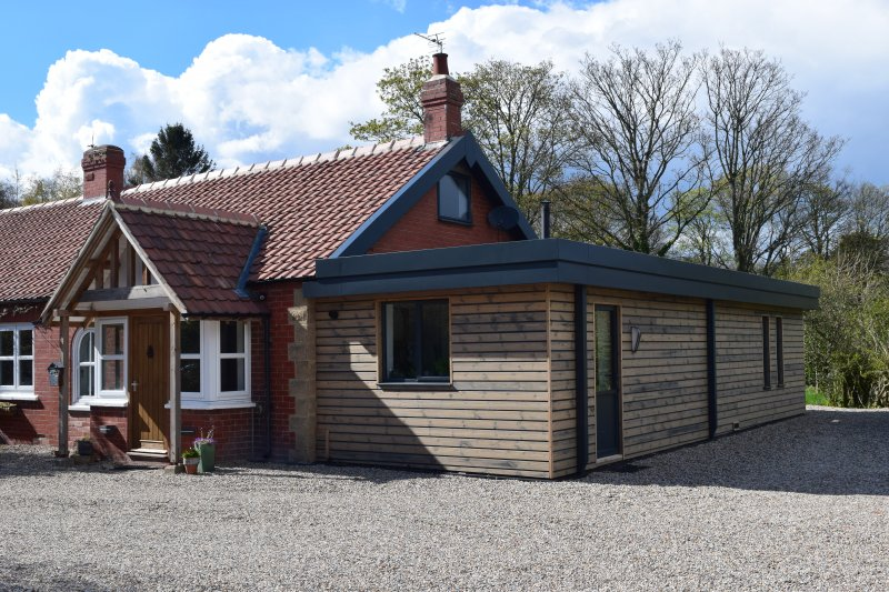 Contemporary Extension to 1940s bungalow